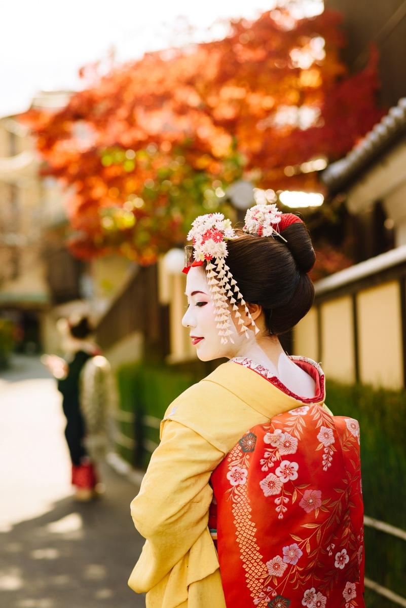 京都體驗旅遊 舞妓變身店家介紹 隨行跟拍和服攝影師