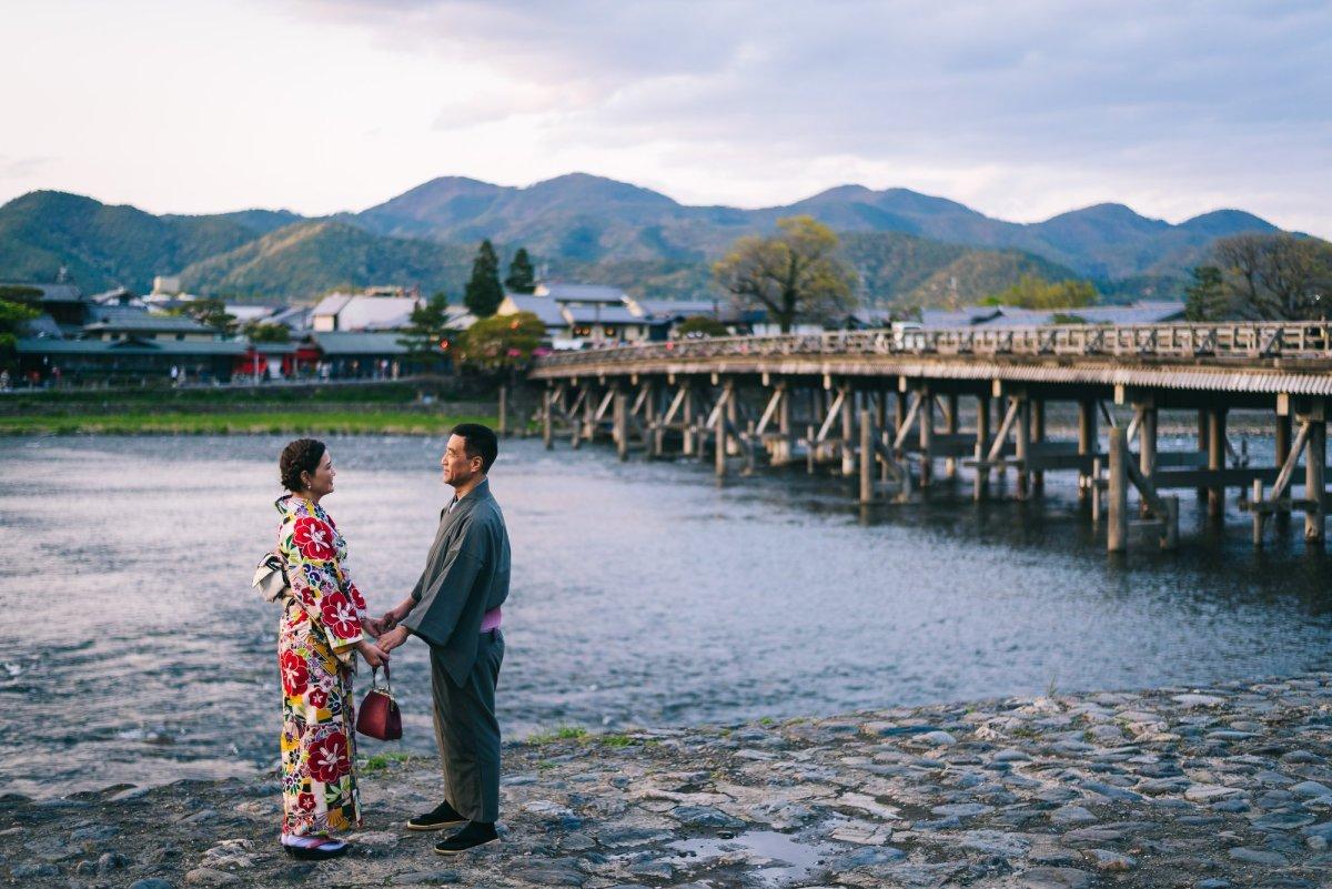 想在嵐山穿和服散步竹林小火車  嵐山和服店家介紹kimono rental shop in arashiyama